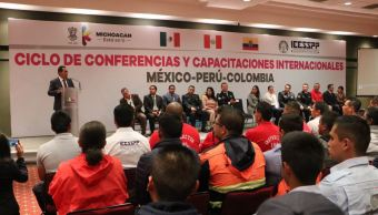 El secretario agradeció a nombre del gobierno del estado, a los representantes de las policías de Colombia y de Perú, que de manera gratuita compartan su cúmulo de experiencias (Twitter/@Adrian_LopezS)