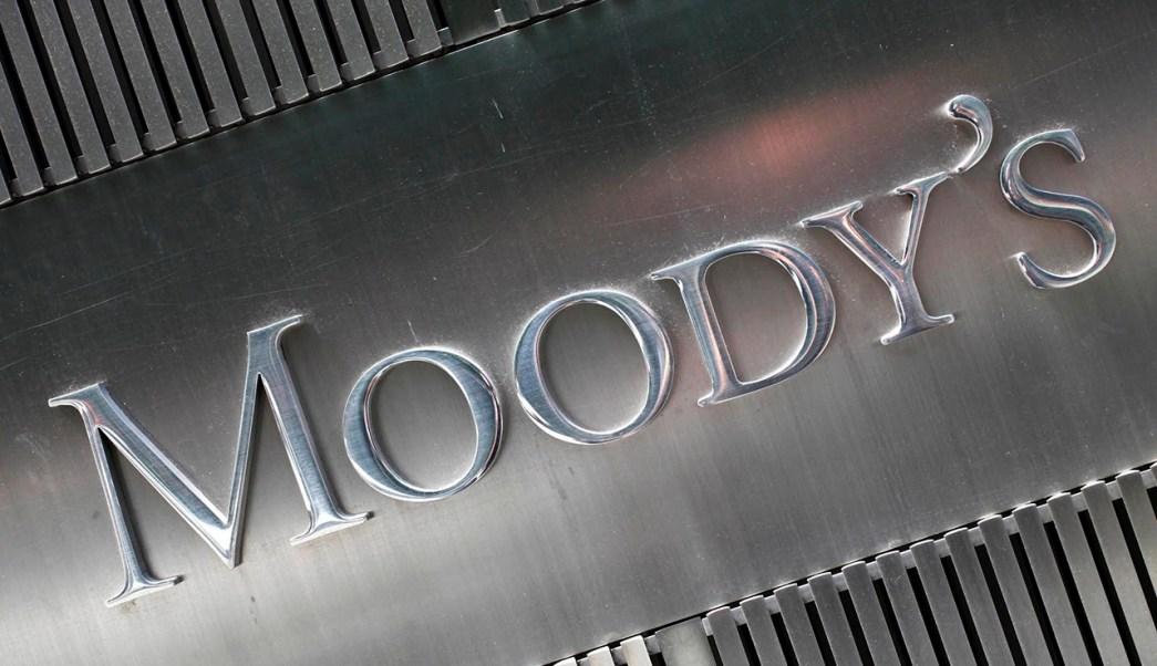 La agencia calificadora Moody's ajustó la perspectiva de crecimiento para México. (AP)