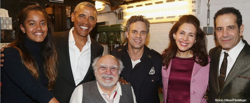 Obama y su hija visitaron a los actores, entre ellos, Mark Ruffalo y Danny DeVito. (Twitter; @ABC)