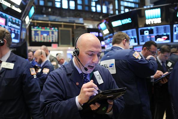 Operador de Wall Street durante el inicio de la sesión (Getty Images)