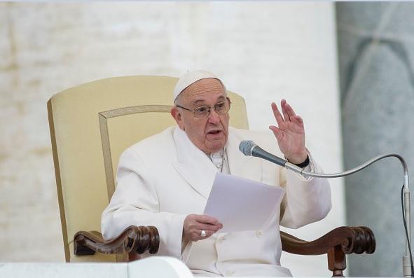 Papa Francisco durante una misa en El Vaticano.