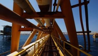 Petróleo mexicano cierra alza un dólar