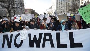 Decenas de organizaciones han prometido que seguirán dando batalla en las calles contra el presidente de EU, Donald Trump.