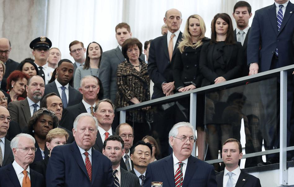 Rex Tillerson habla con los empleados del Departamento de Estado de EU, en su primer día como jefe de la diplomacia estadounidense. (Getty Images)