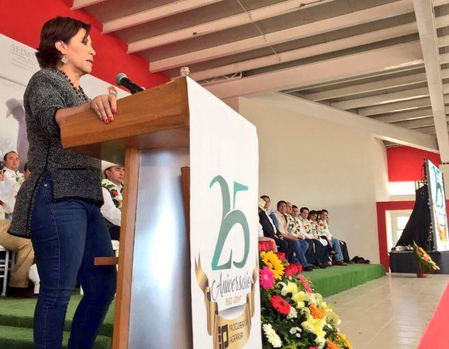 Rosario Robles pide a campesinos denunciar actos de corrupción