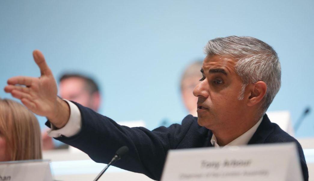 Alcalde Londres se pronuncia en contra de visita de Donald Trump