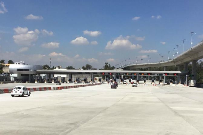 Las obras entregadas este sábado consisten en la ampliación de 14 a 21 carriles en la caseta de cobro de Tlalpan (Twitter @gruizesp)