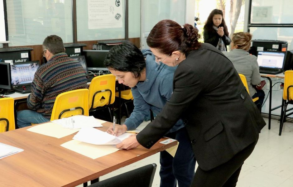 El 93.20 por ciento de los docentes convocados acudió a la evaluación.