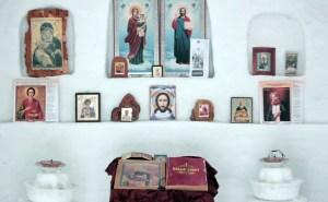 La capilla fui construida cada día durante casi dos meses, incluso las temperaturas descendían por debajo de menos 30 grados centígrados (AP)