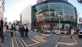El Staples Center es la casa de los equipos de basquetbol los Lakers y los Clippers y sede de la entrega anual de los Premios Grammy. (Facebook: Staples Center)