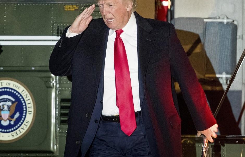 El presidente de Estados Unidos, Donald Trump, busca acelerar el proceso de deportación de inmigrantes indocumentados (AP)