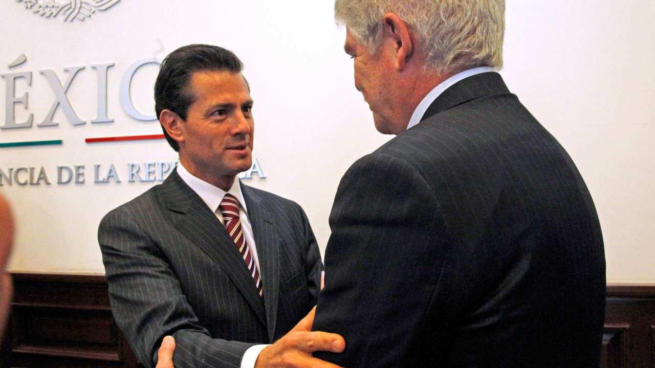 El presidente de la República, Enrique Peña Nieto, recibió esta tarde en la Residencia Oficial de Los Pinos al ministro de Asuntos Exteriores y de Cooperación del Reino de España, Alfonso Dastis Quecedo. (EFE)