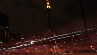 El Ángel de la Independencia fue uno de los monumentos que se sumaron a la Hora del Planeta (Notimex)