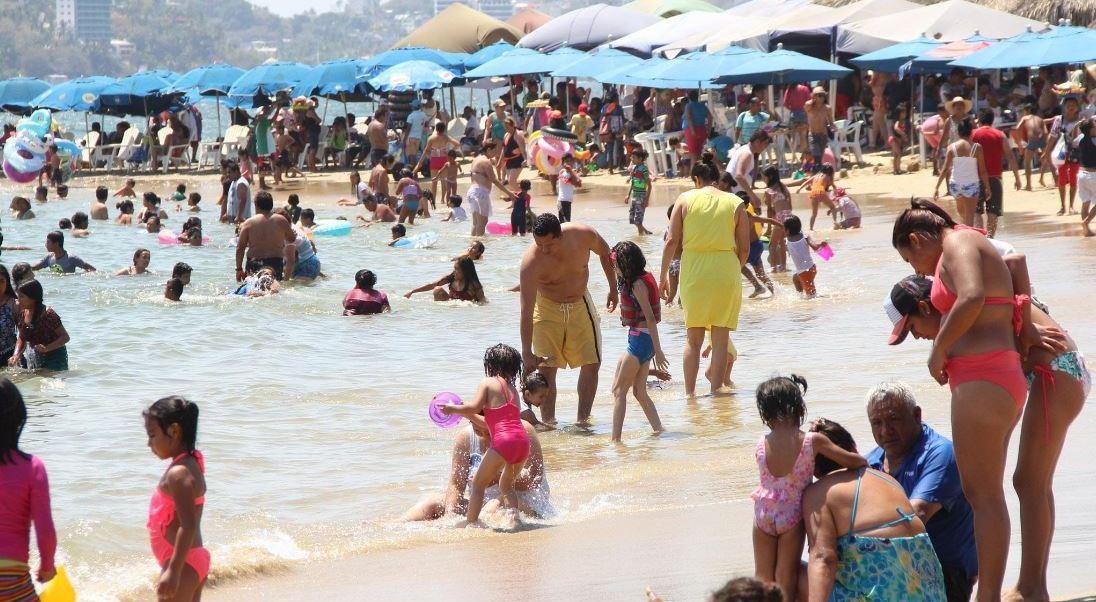 Reportan ocupación hotelera del 80 por ciento en Acapulco, Guerrero