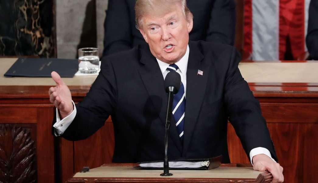 El presidente Donald Trump ofrece un discurso en el Congreso de Estados Unidos. (AP)