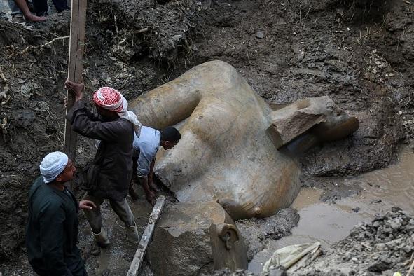 Arqueólogos alemanes y egipcios halló dos estatuas de reyes faraónicos