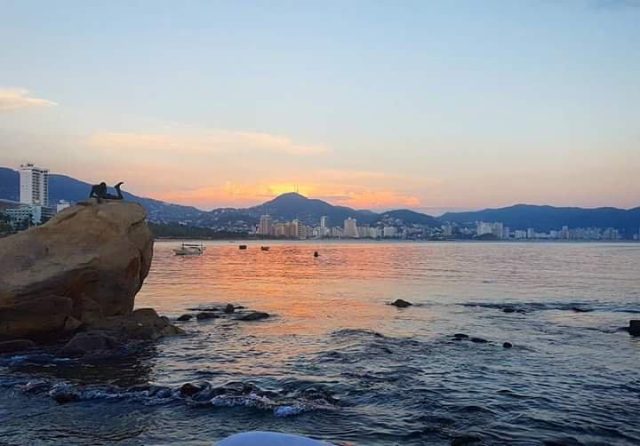 En 2016, México alcanzó récord de visitantes por cuarto año consecutivo; 35 millones de visitantes y más de 11 millones de viajeros, más que en el 2012 (Twitter @ZonaturAcapulco)