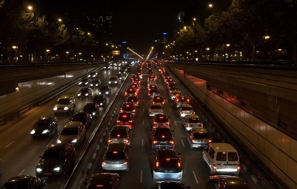 El gobierno local de Madrid planea reducir en 15% las emisiones de óxido de nitrógeno que emiten vehículos antiguos (Getty Images)