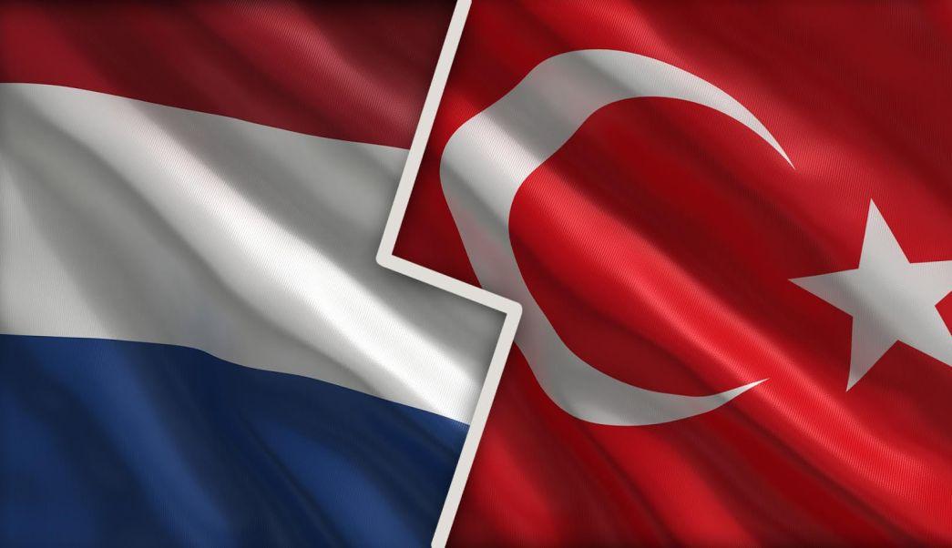 Composición banderas Holanda-Turquía