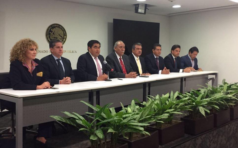 Renuncia Barbosa como coordinador del PRD en el Senado; lo sustituye Raúl Morón. (Twitter @Isa_Uribe)