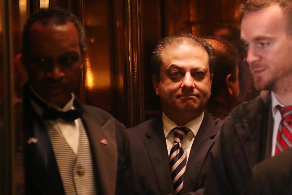 Preet Bharara visita la Torre Trump; el funcionario fue despedido por la administración de Estados Unidos (Getty Images, archivo)