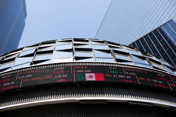 La Bolsa Mexicana de Valores modificará temporalmente su horario, a partir del 13 de marzo. (Getty Images)