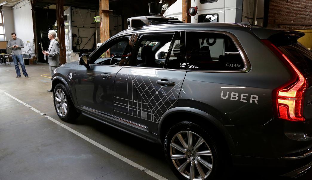 Camionetas autónomas Volvo de Uber circularán en California.