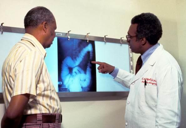 En la mayoría de los casos el cáncer de colon no da síntomas hasta que se encuentra en etapas avanzadas. (Getty images, archivo)