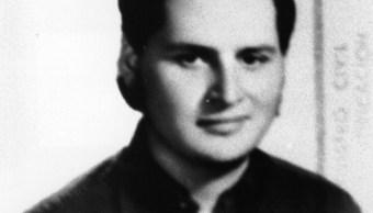 """El terrorista internacional Ilich Ramírez Sánchez, conocido en todo el mundo como Carlos """"El Chacal"""" es captado el 11 de julio de 1975 (Getty Images)"""