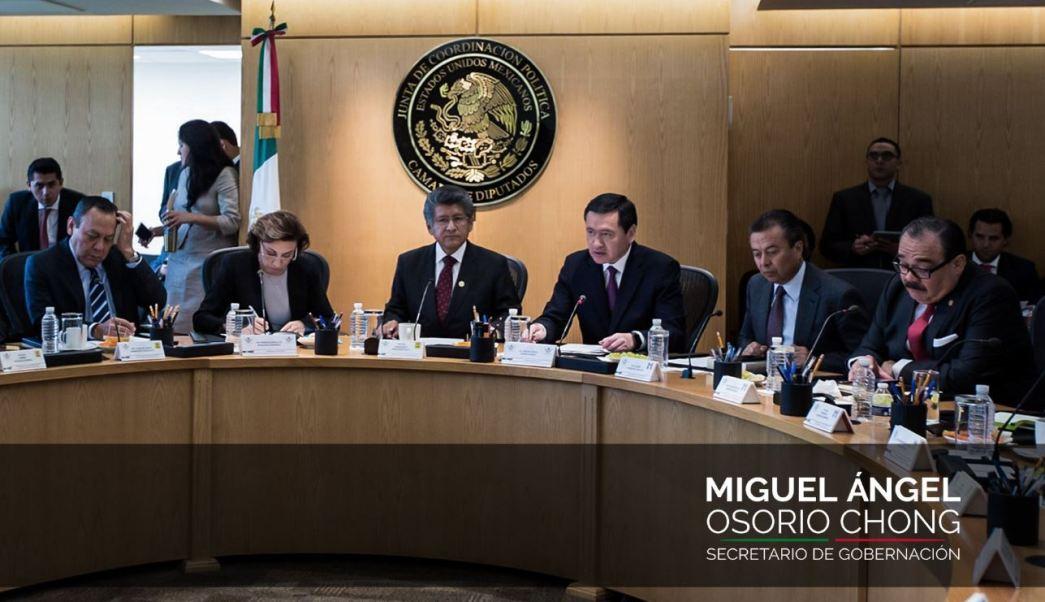 Osorio Chong detalló que ante la incapacidad de las policías estatales y municipales, las fuerzas armadas están presentes (Twitter/@osoriochong)