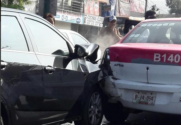Choque de 4 vehículos en Picacho Ajusco