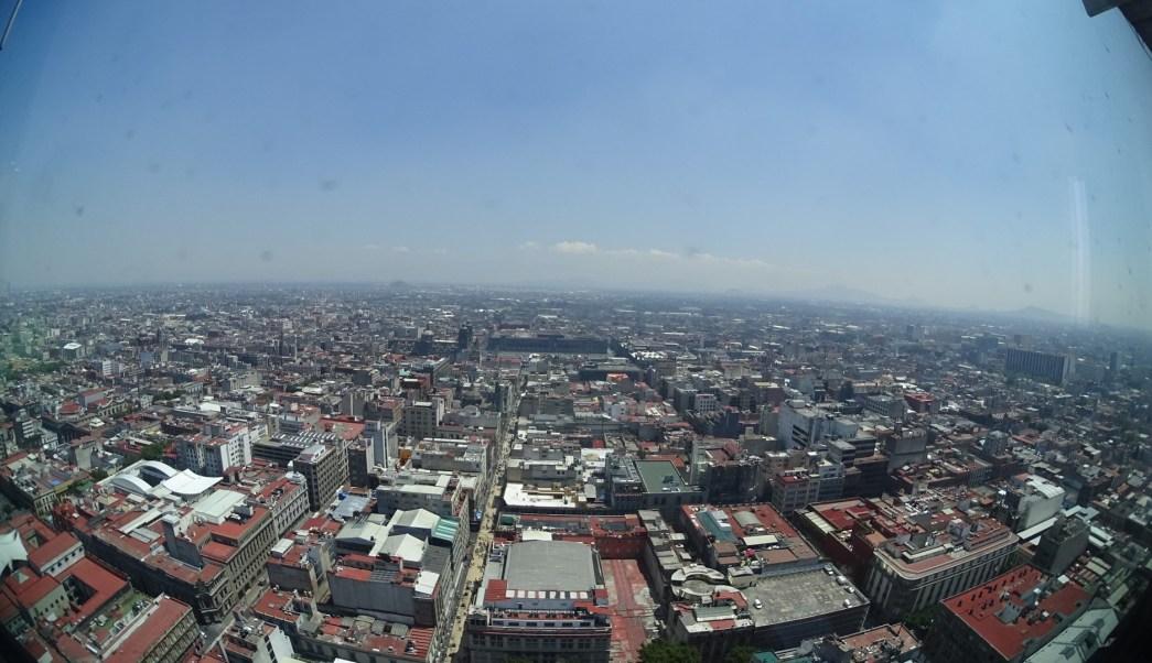 Panorámica de la Ciudad de México; prevén tarde lluviosa con posible caída de granizo. (Notimex)