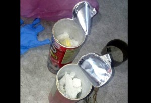 Fueron decomisaron dos recipientes de papas fritas que contenían más de medio kilo de la droga. (Twitter @PespSonora)