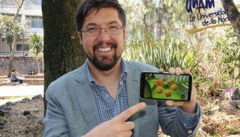 Carlos Vladimiro González Zelaya, egresado y académico de la Facultad de Ciencias de la UNAM, desarrolla el videojuego Baby-Bee. (Twitter/ @UNAM_MX)