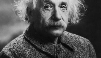 El físico Albert Einstein (1939), quien desarrolló la Teoría de la Relatividad