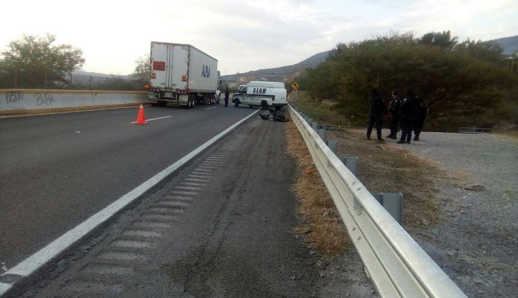 Encuentran restos humanos en la Autopista del Sol (Noticieros Televisa)