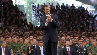 Enrique Peña Nieto se reúne con soldados y marinos en el Estado de México (Presidencia de la República)