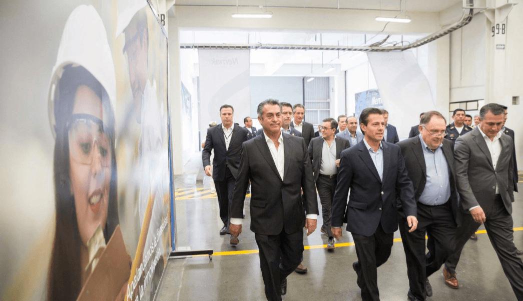 El presidente Enrique Peña Nieto realizó un recorrido por la Planta HPDC (High Pressure Die Casting) de Nemak. (Presidencia)