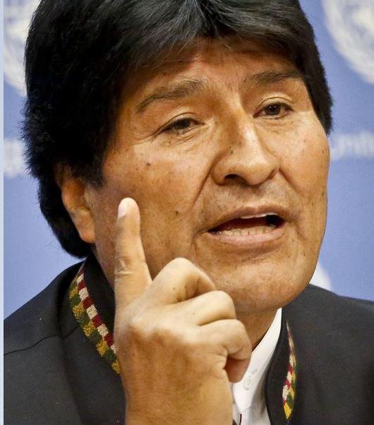 El presidente de Bolivia, Evo Morales, reaparece en Caracas, donde asistió a una cumbre de la izquierda latinoamericana tras permanecer varios días internado en La Habana por una infección aguda. (AP, archivo)