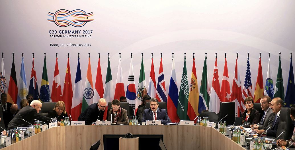 En la reunión de Baden-Baden participan además representantes de varias instituciones internacionales, como el Banco Mundial o el Fondo Monetario Internacional. (AP)