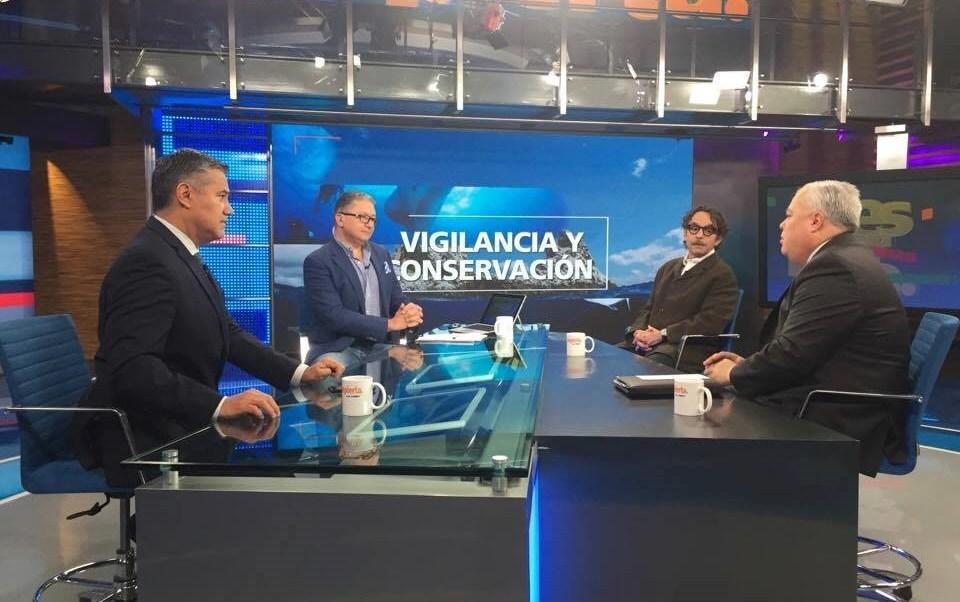 Gabriel Quadri y Mario Aguilar Sánchez en la mesa de Despierta con Loret. (Twitter, @NTelevisa_com)