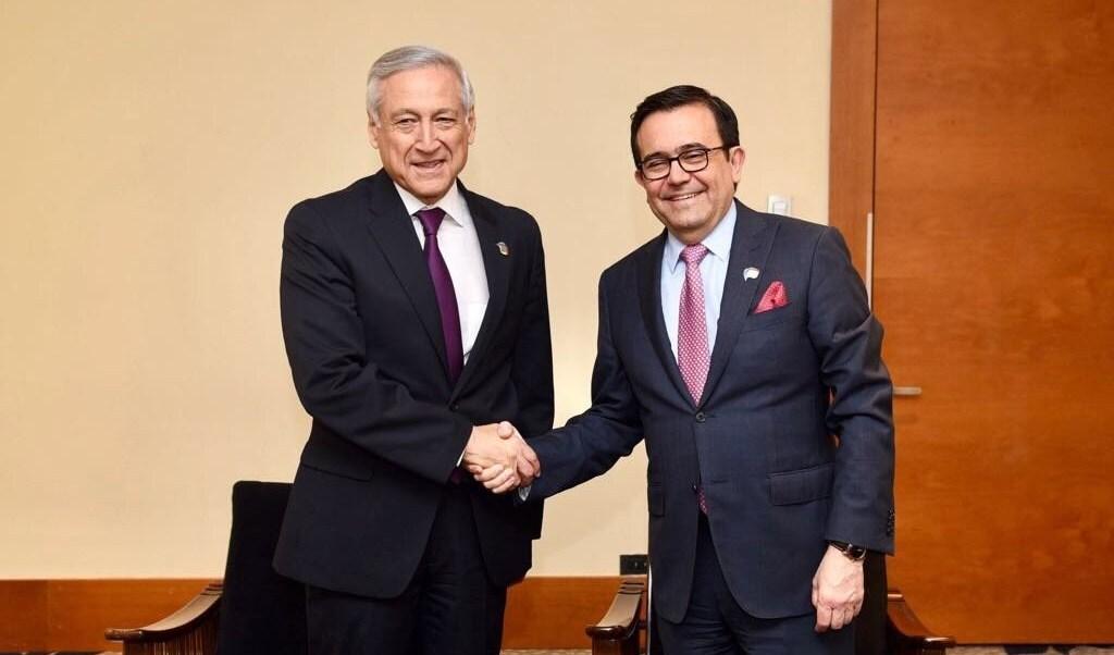 Ildefonso Guajardo, secretario de Economía, y Heraldo Muñoz, canciller de Chile. (Twitter, @A_delPacifico)