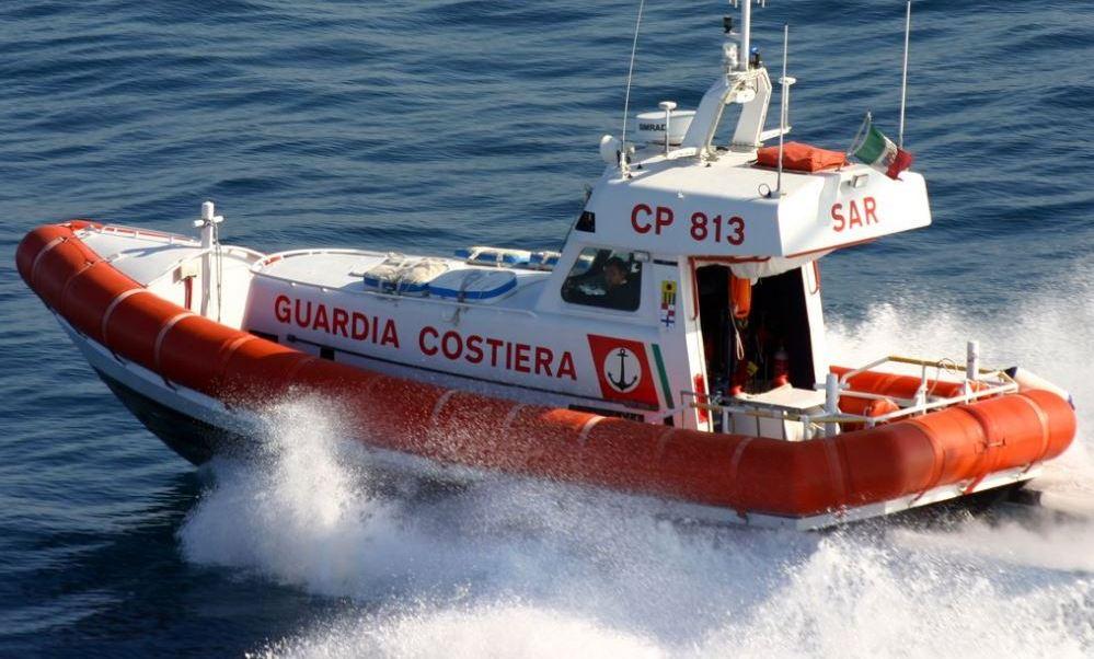 La Guardia Costera,rescató a 1,190 inmigrantes en el Canal de Sicilia. (@guardiacostiera)
