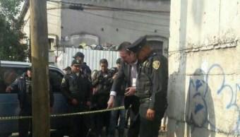 La Policía fue alertada de que en las calles Santa Lucía y Peñón se hallaba el cuerpo de un bebé (Operaciones Especiales México)