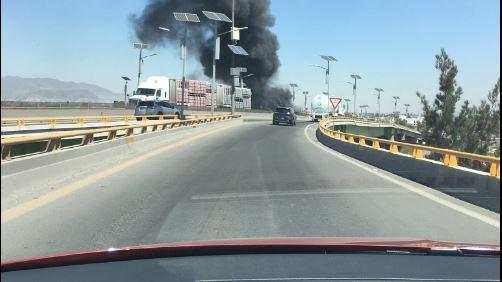 Se registra incendio de material industrial en el Circuito Exterior Mexiquense