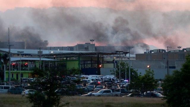 Incendio en el penal de Cadereyta, en Nuevo León, por un motín de internos el 28 de marzo. (Efe)