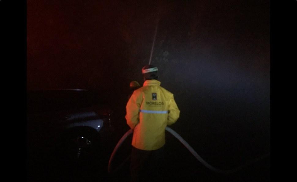 Bomberos acuden al incendio forestal en las inmediaciones de Buenavista del Monte (Twitter @Bermudez_FJ)