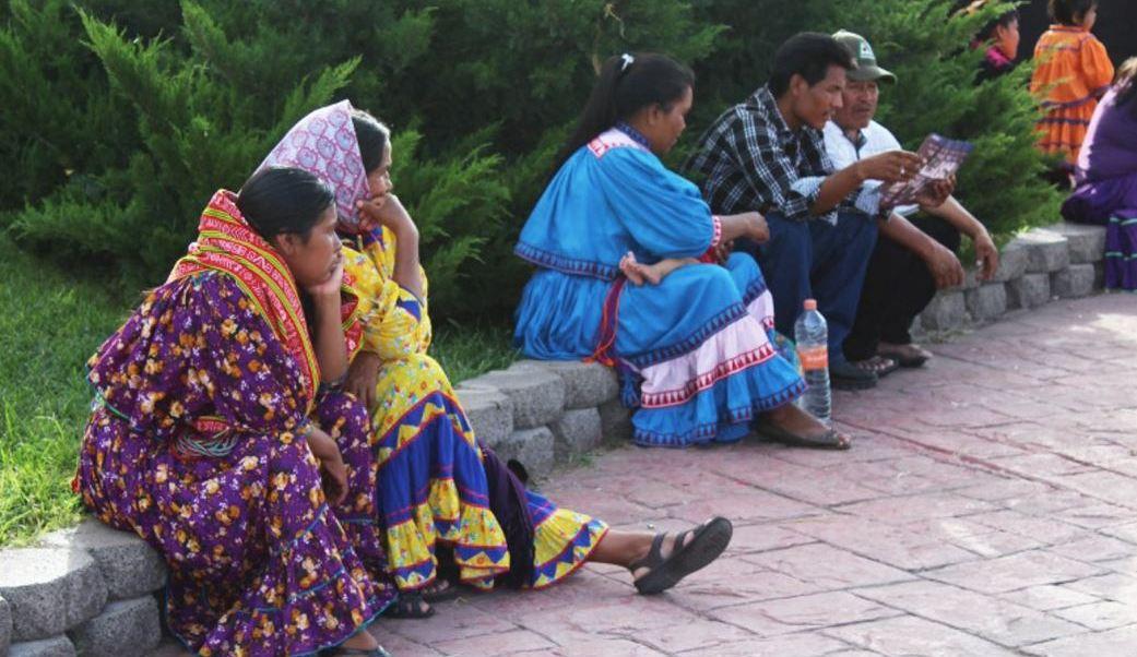 En México, existen 21 radiodifusoras indígenas que trasmiten en 34 lenguas diferentes, que buscan evitar que sus dialectos desaparezcan (Notimex/Archivo)