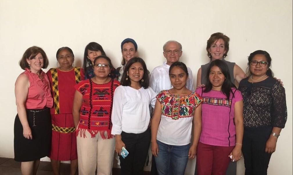 Roberta Jacobson, embajadora de Estados Unidos en México, visita Oaxaca y sostiene reuniones con miembros de la sociedad (Twitter @EmbRoberta)