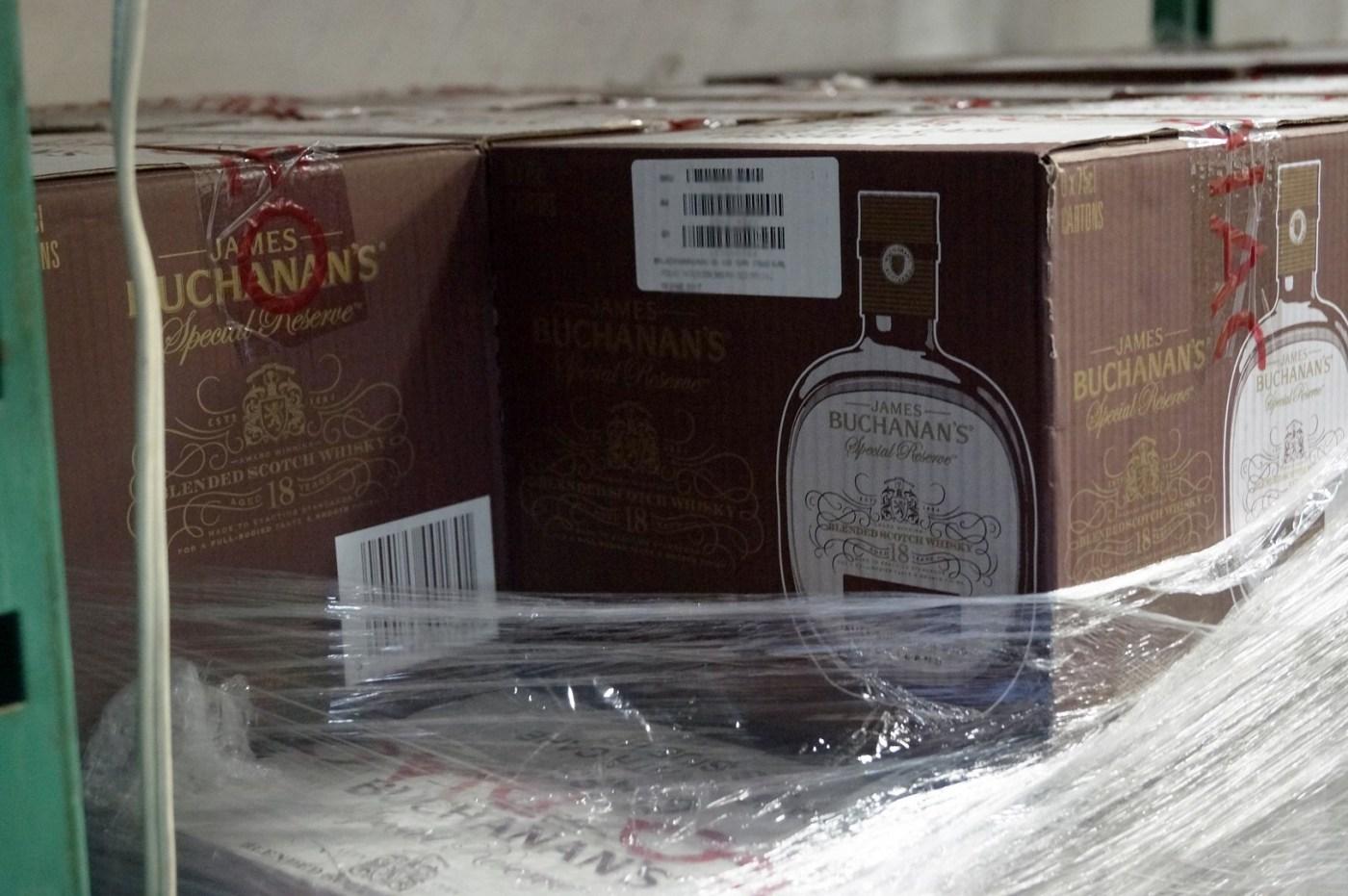 La mayoría de botellas recuperadas en Toluca eran de whisky. (FGJEM)